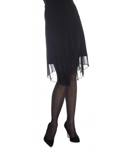 Découvrez les collants de compression dégressive Cadence. Enfin des collants pour femme pensés pour des jambes plus légères.